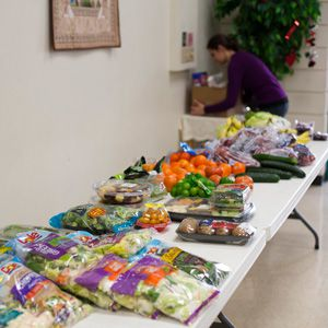 Food at a diabetes management pantry