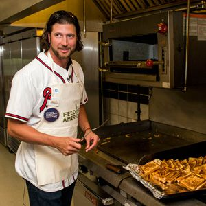 Jason Grilli serves up some grilled cheese to kids in need