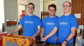 Nielsen employees volunteering