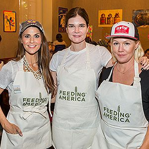 Samantha Harris, Betsy Brandt and Jennie Garth help out in Los Angeles.